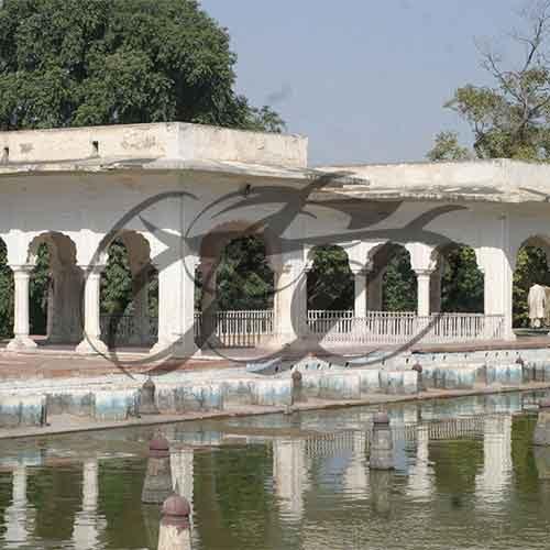 Shalimar Garden Fountains 004